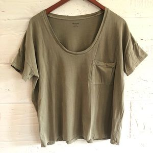 Made well green tee with pocket
